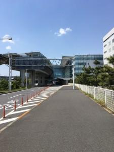 国際線ターミナルまでは歩いて1~2分です