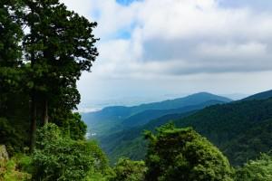 下山途中でようやく少し景色が見えました